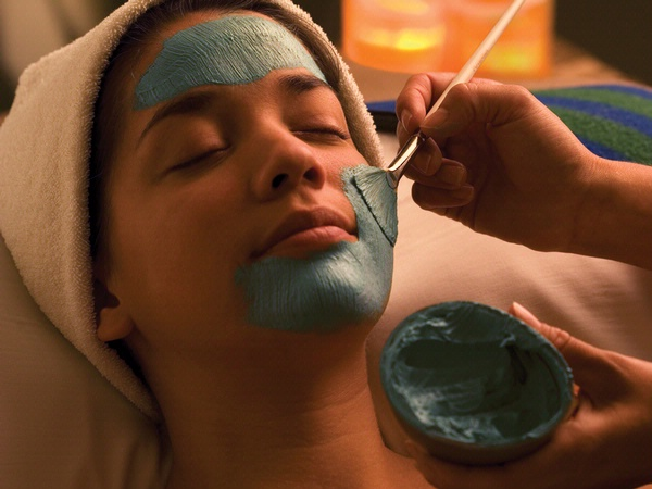 facial-application-treatment
